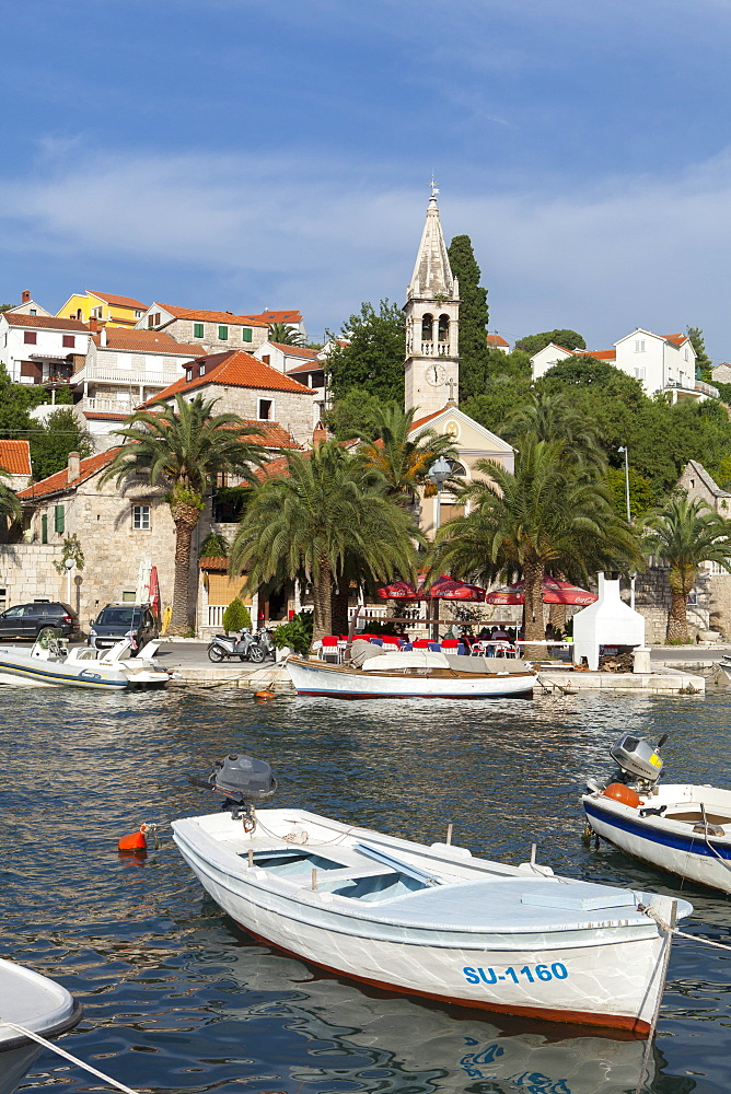 Splitska harbour, Brac Island, Dalmatian Coast, Croatia, Europe - 526-3783