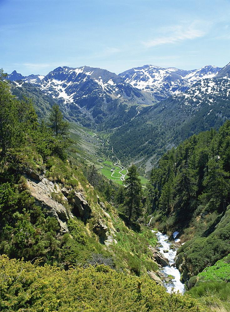 View towards Vall d'Incles and El Siscaro, Riu de Cabana Sorda Ravine, Vall d'Incles, Soldeu, Andorra, Europe