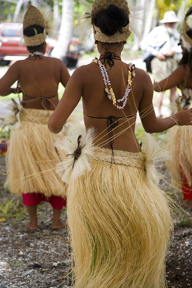 Polynesian dancers, Fakarava, Tuamotu Islands, French Polynesia