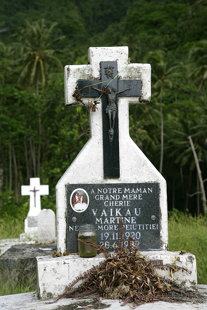 CemeteryHanavave, Island of Fatu Hiva, Marquesas Islands, French Polynesia