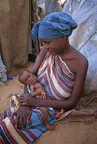 Refugee and her emaciated baby in a camp in Mogadishu in 1992, Somalia, Africa - 640-437