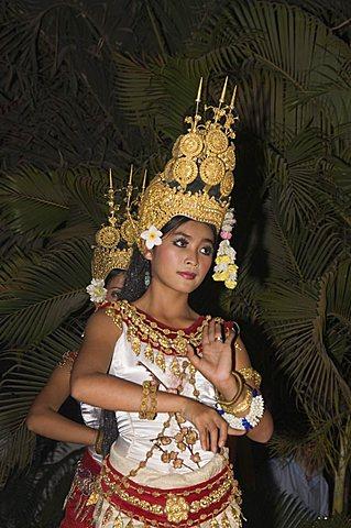 Apsara dancers, Siem Reap, Cambodia, Indochina, Southeast Asia, Asia