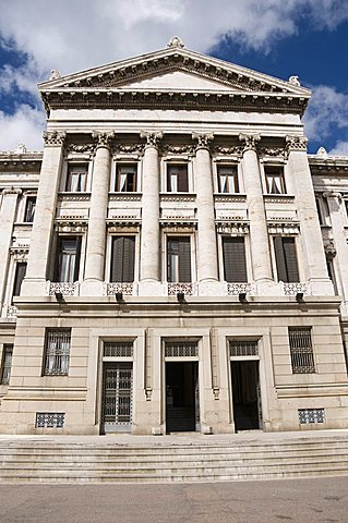 Palacio Legislativo, the main building of government, Montevideo, Uruguay, South America