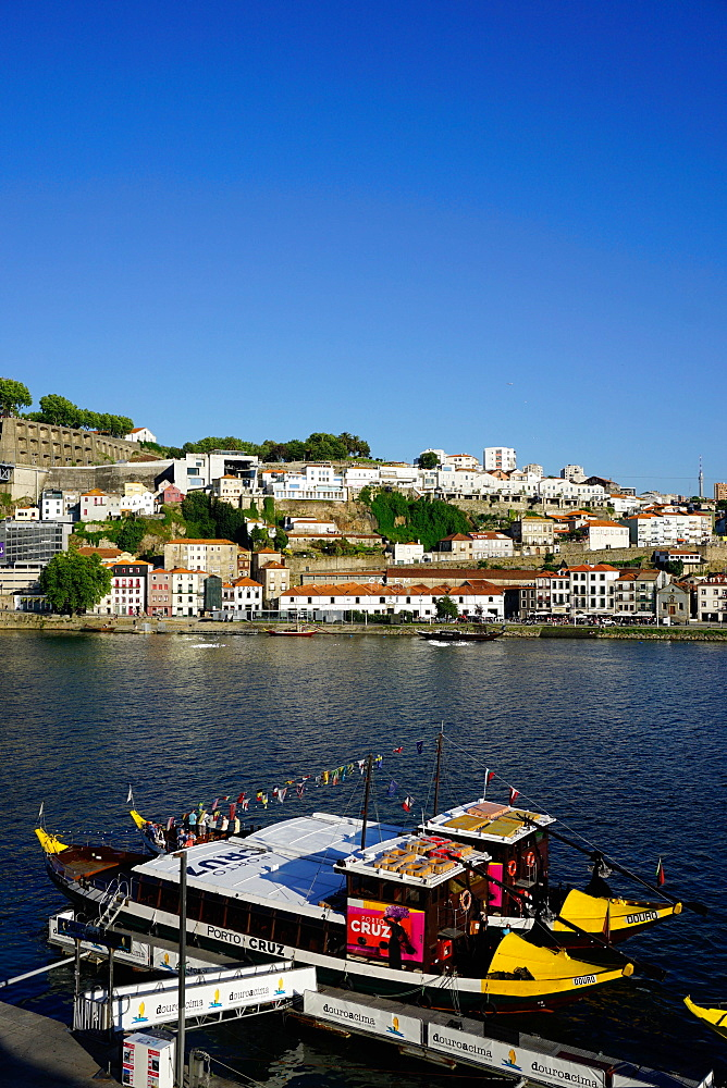 Ribeira district, UNESCO World Heritage Site, Porto (Oporto), Portugal, Europe - 641-13404
