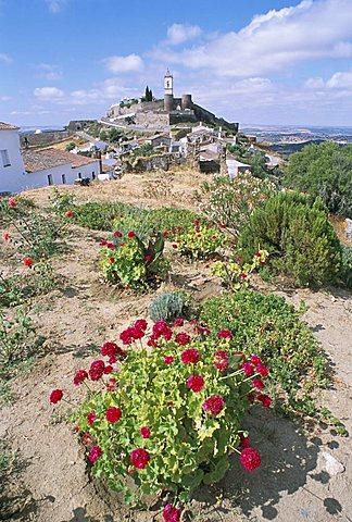 Hill village of Monsaraz near the Spanish border, Alentejo region, Portugal, Europe