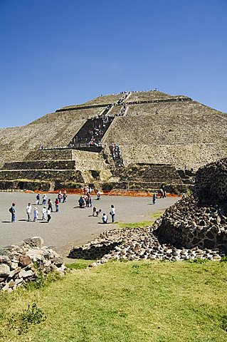 Pyramid of the Sun, Teotihuacan, 150AD to 600AD and later used by the Aztecs, UNESCO World Heritage Site, north of Mexico City, Mexico, North America