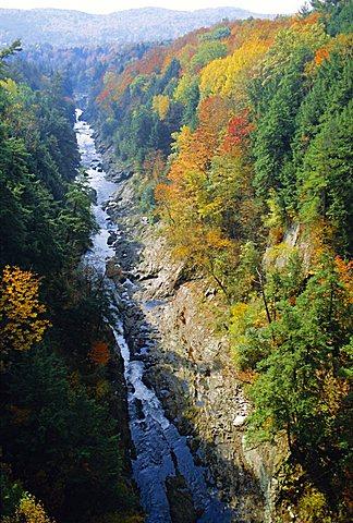 The Ottauquechee River, Quechee Gorge, Vermont, USA