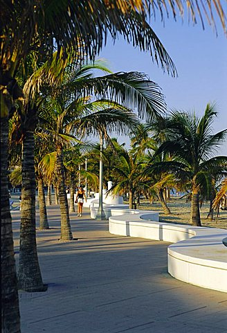 Fort Lauderdale, Wave Wall Promenade, Florida, USA