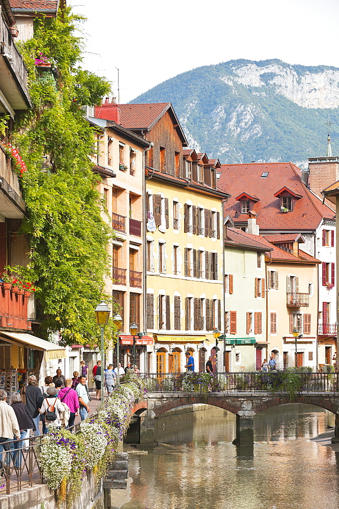 A view of the old town of Annecy, Haute-Savoie, France, Europe - 663-788