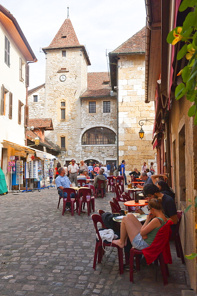 A view of the old town of Annecy, Haute-Savoie, France, Europe - 663-793