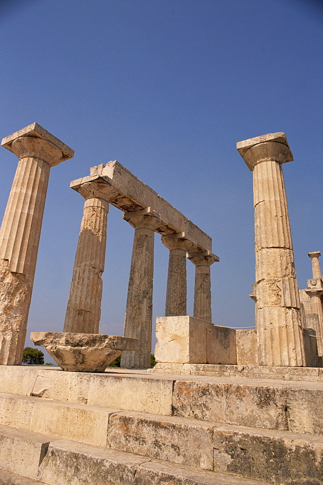 Remaining Doric columns of the Temple of Aphaia, archaeological site, Aegina, Saronic Islands, Greek Islands, Greece, Europe