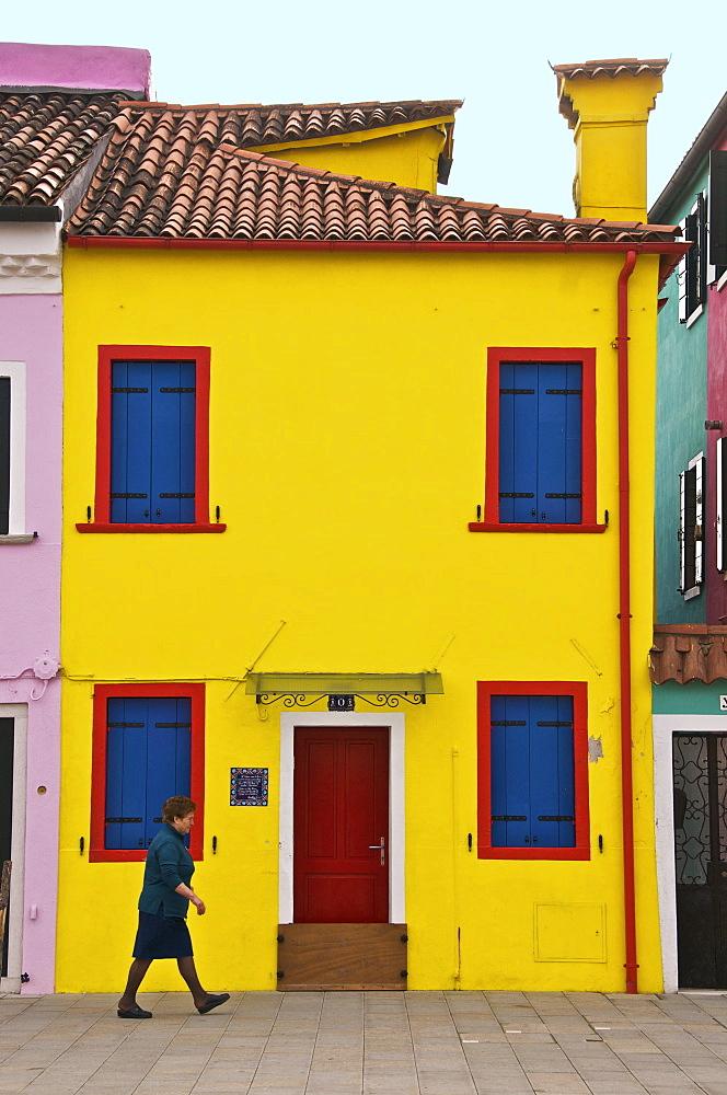 Colourful houses on the island of Burano, Venice, Veneto, Italy, Europe - 665-4998