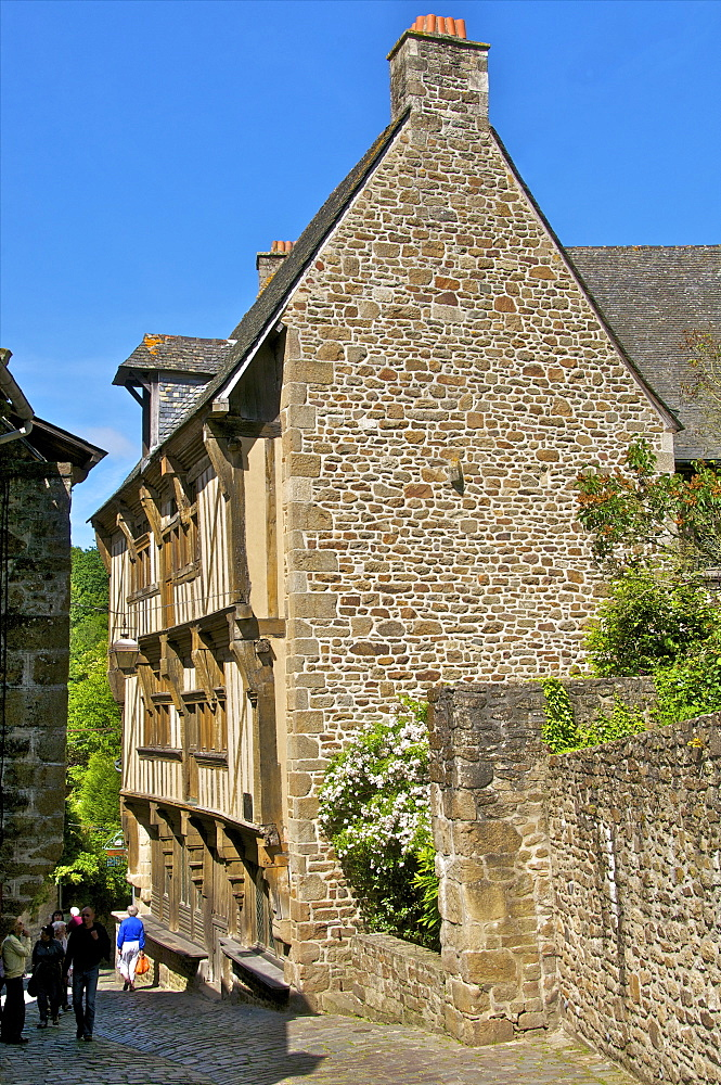 Governor's house, a 15th century mansion in an old cobbled street, Old Town, Dinan, Cotes d'Armor, Brittany, France, Europe