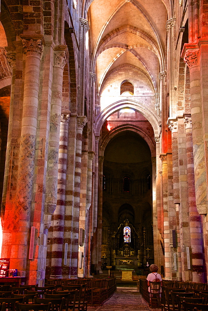Nave and columns, St. Julian Basilica (St. Julien Basilica) dating from the 9th century, Romanesque architecture, Brioude, Haute Loire, France, Europe - 665-5501