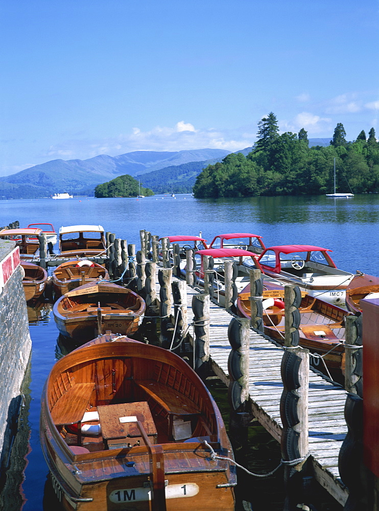 View of lake from boat stages, Bowness on Windermere, Cumbria, England, United Kingdom, Europe