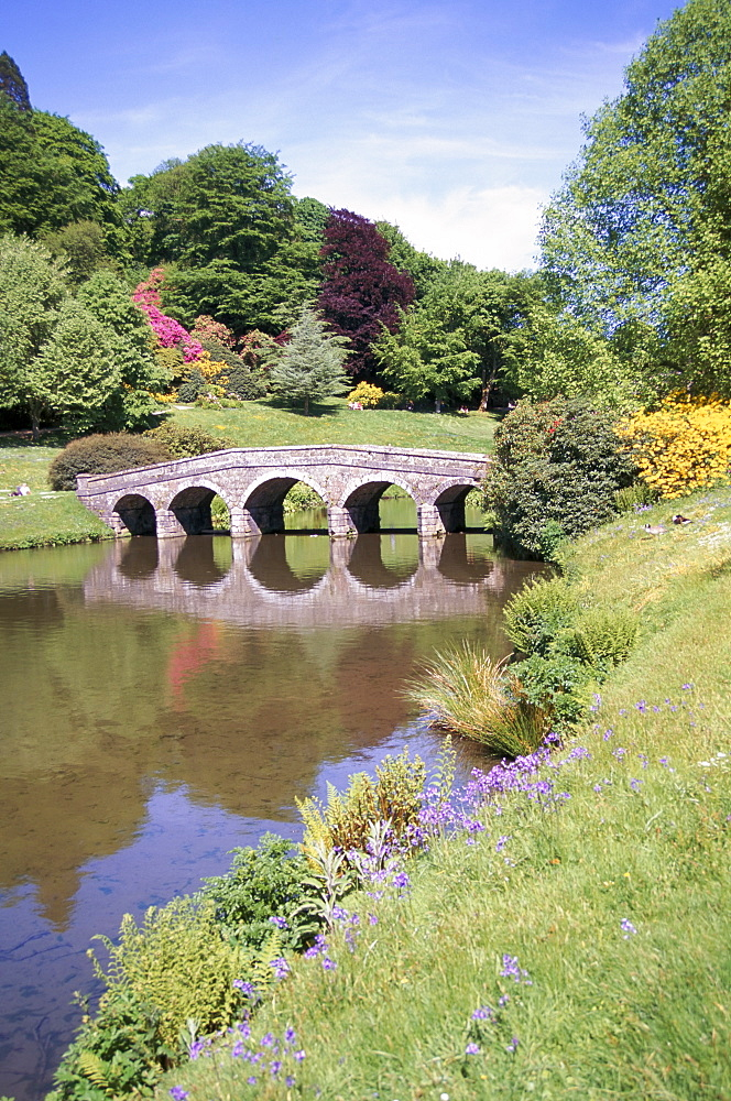 Bridge and lake, Stourhead, National Trust property, Wiltshire, England, United Kingdom, Europe