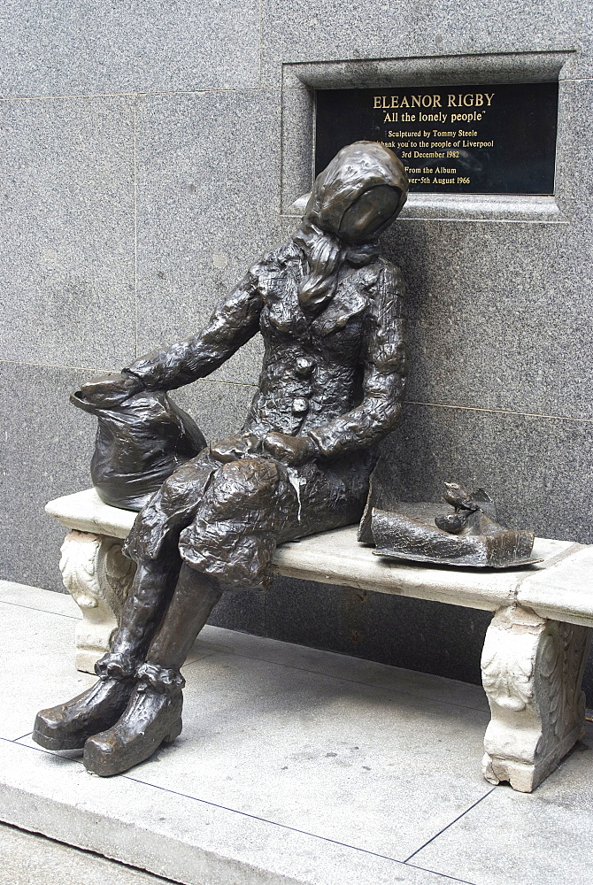 Statue by Tommy Steele of the eponymous woman of the Beatles song, Eleanor Rigby, Liverpool, Merseyside, England, United Kingdom, Europe
