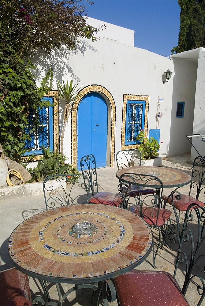 Sidi Bou Fares Hotel courtyard, Sidi Bou Said, Tunisia, North Africa, Africa