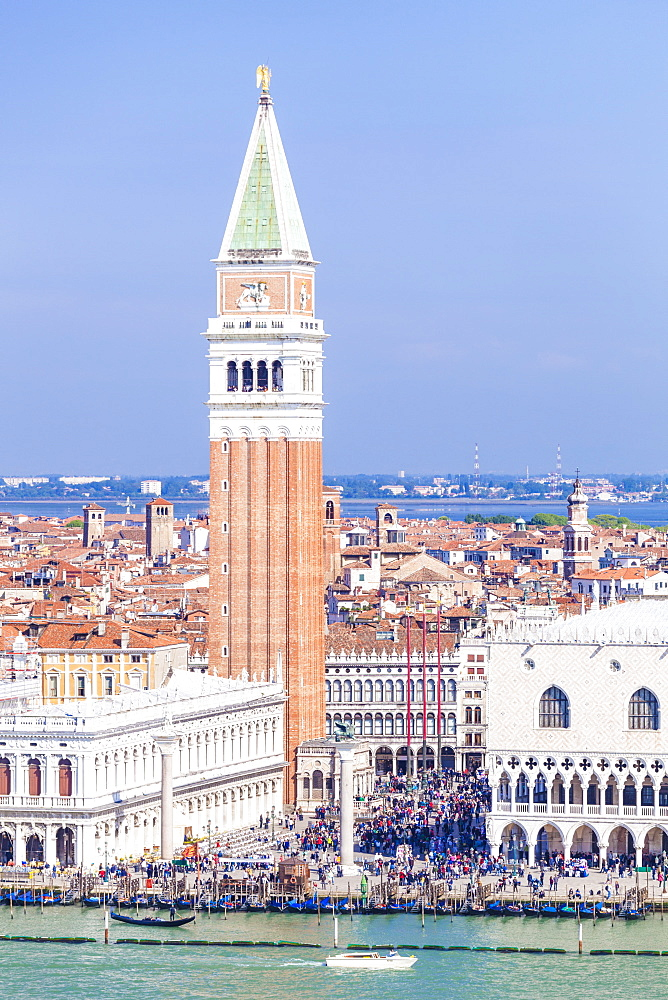 Campanile tower, and Palazzo Ducale (Doges Palace), St. Marks Square (Piazza San Marco), Venice, UNESCO World Heritage Site, Veneto, Italy, Europe