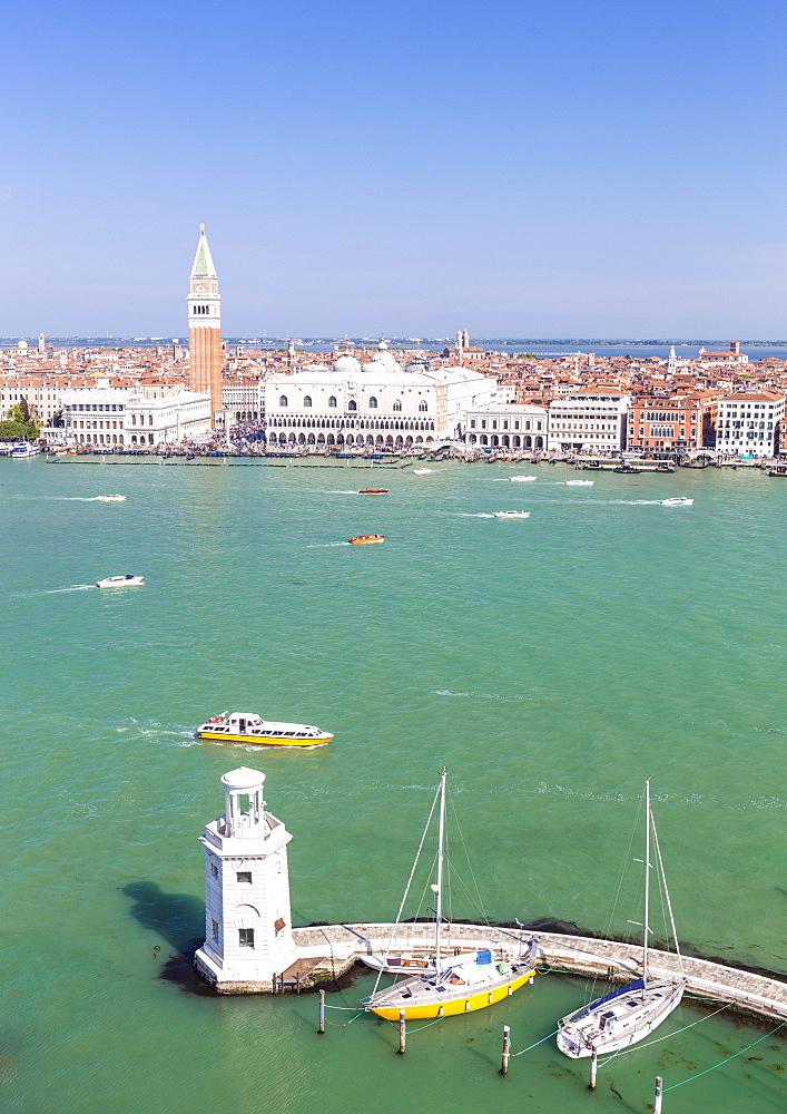 Campanile tower, Palazzo Ducale (Doges Palace), Bacino di San Marco (St. Marks Basin), Venice, UNESCO World Heritage Site, Veneto, Italy, Europe