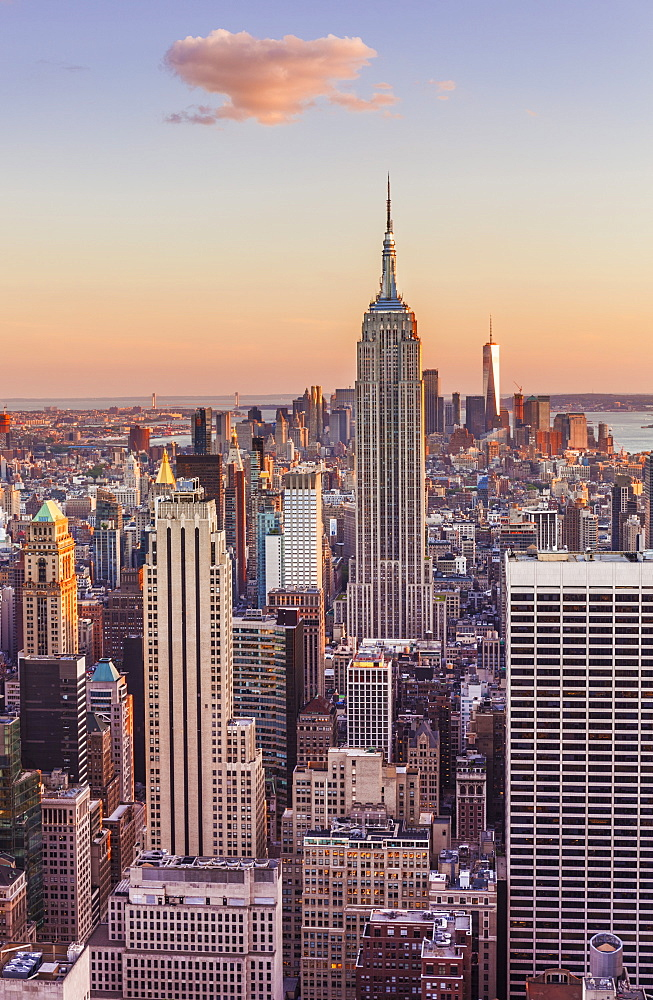 Manhattan skyline, New York skyline, Empire State Building, sunset, New York City, United States of America, North America - 698-3273