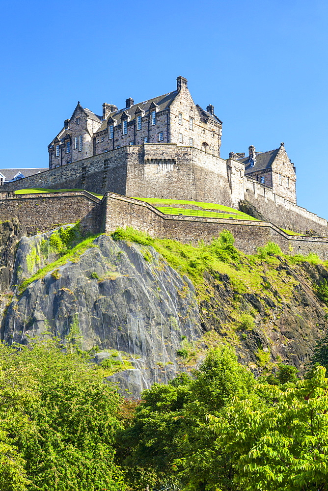 Edinburgh Castle, historic fortress, Castle Rock, Castlehill, Edinburgh Old Town, UNESCO World Heritage Site, Midlothian, Scotland, United Kingdom, Europe