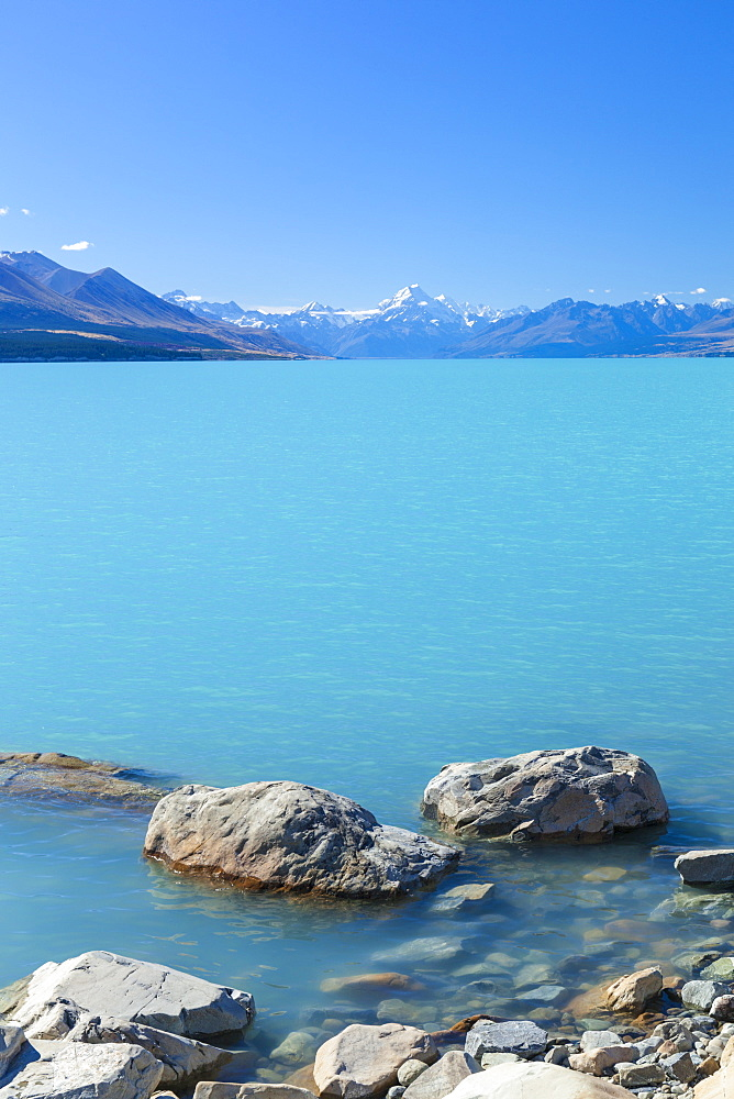 Lake Pukaki glacial lake, Mount Cook National Park, UNESCO World Heritage Site, Southland, South Island, New Zealand, Pacific