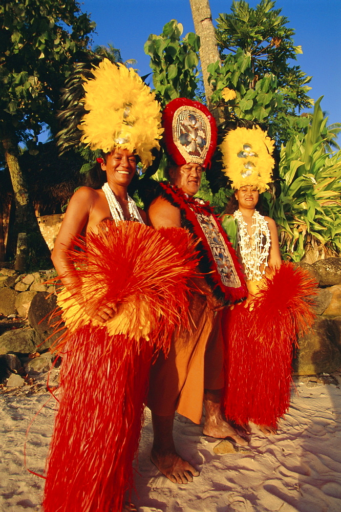 Rapo, Tahitian priest and dancers, Happiti, Moorea, Society Islands, French Polynesia, South Pacific Islands, Pacific
