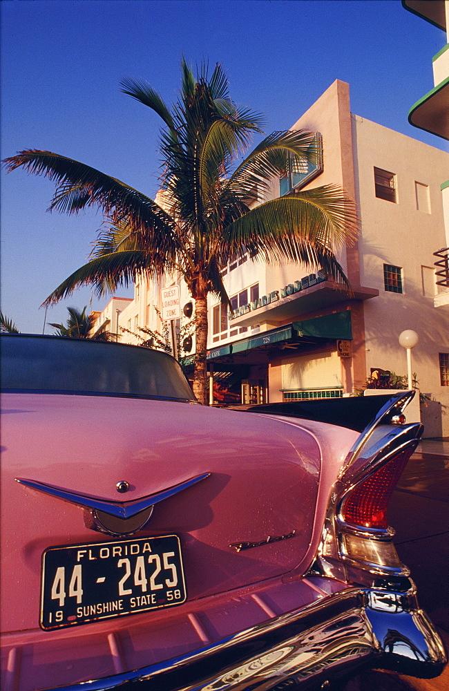 Classic car on Ocean Drive, Art Deco District, Miami Beach (South Beach), Miami, Florida, USA