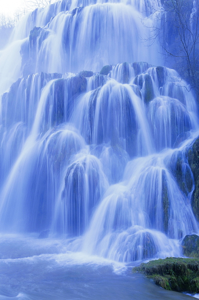 Waterfall, Les Messieurs, Jura-Baume, Franche-Comte, France, Europe - 712-1350