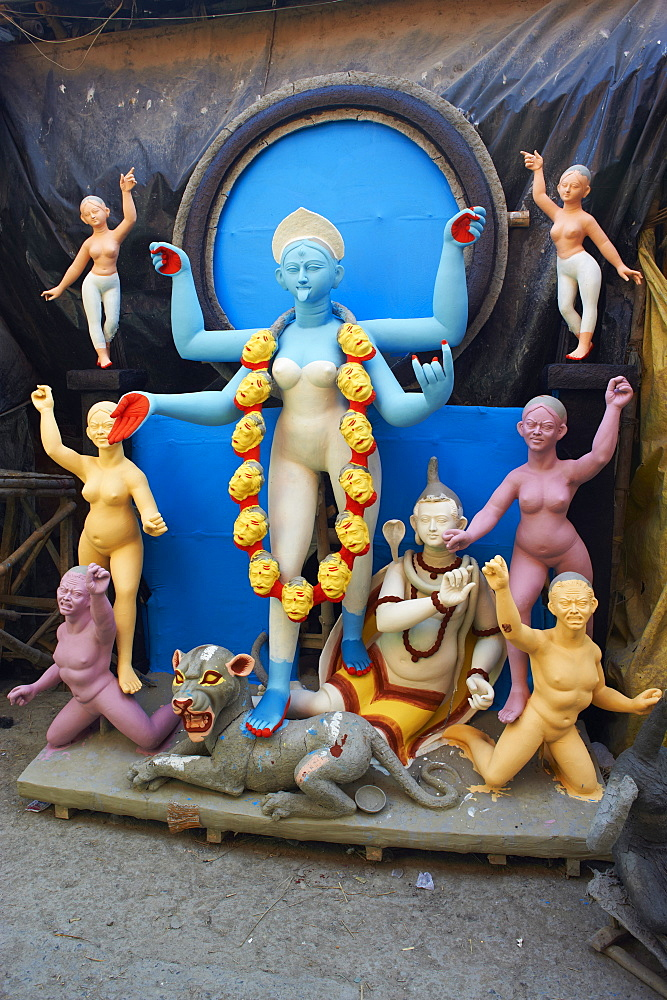 Clay statues of Hindu gods and goddesses, Kumartulli district, Kolkata (Calcutta), West Bengal, India, Asia
