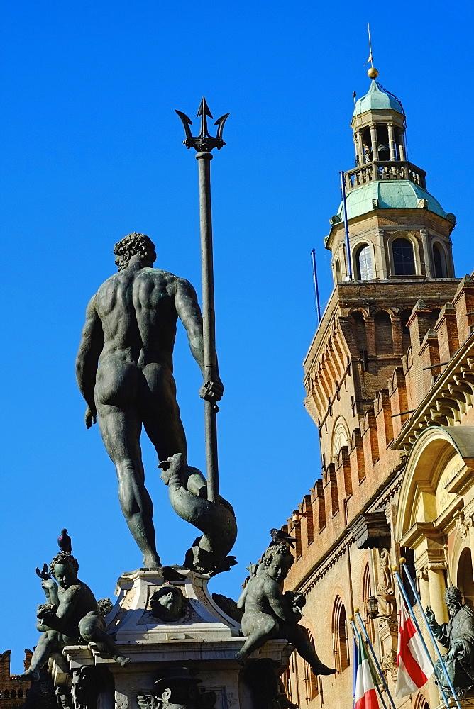 Fontana del Nettuno, Piazza Maggiore, Bologna, Emilia-Romagna, Italy, Europe