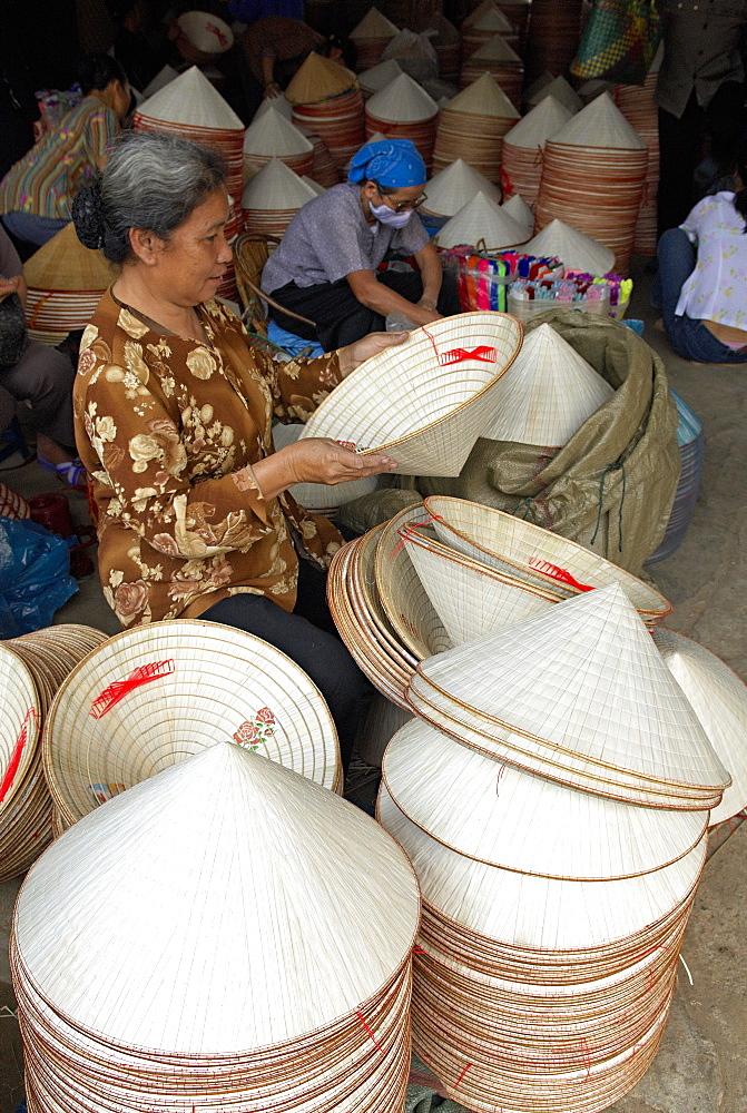 Hat market, Hanoi, Vietnam, Indochina, Southeast Asia, Asia