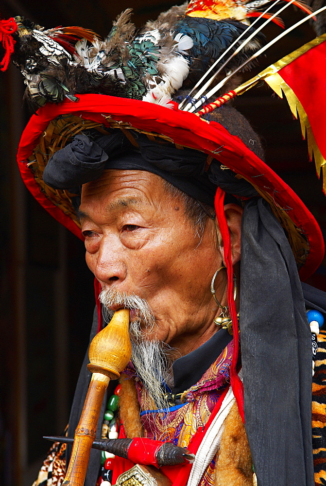 Dongba shaman, City of Lijiang. UNESCO World Heritage Site, Yunnan Province, China, Asia