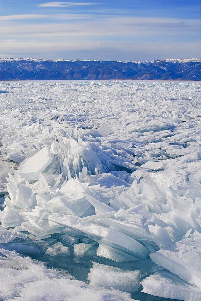Maloe More (Little Sea), frozen lake during winter, Olkhon island, Lake Baikal, UNESCO World Heritage Site, Irkutsk Oblast, Siberia, Russia, Eurasia  - 712-2624