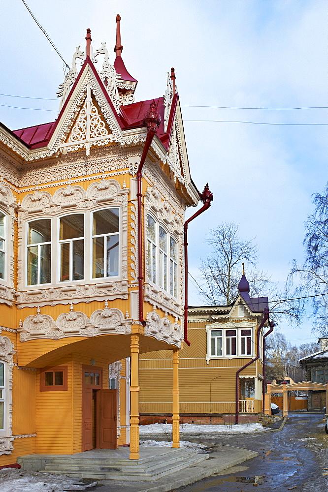 The Peacock House on Krasnoarmeiskaia Avenue, wooden architecture, Tomsk, Tomsk Federation, Siberia, Russia, Eurasia  - 712-2653