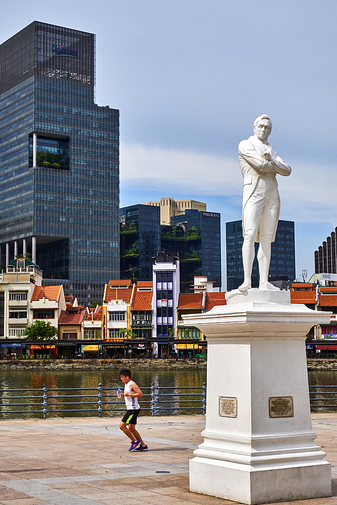 Raffles statue and Boat Quay, Colonial District, Singapore, Southeast Asia, Asia