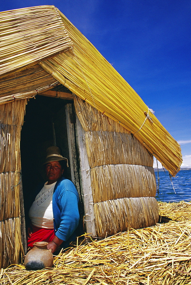 Uros people, floating islands, Lake Titicaca, Peru, South America