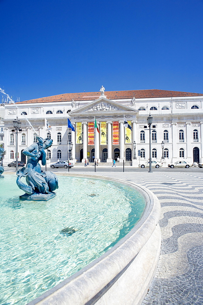 Statues and fountain in front of the Lisbon Opera House, Praca Dom Pedro IV (Rossio Square), Lisbon, Portugal, Europe