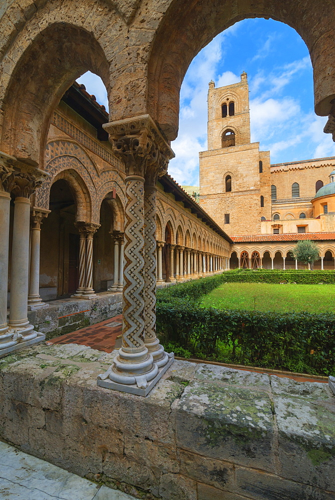 Cloister, Cathedral of Monreale, Monreale, Palermo, Sicily, Italy, Europe - 718-2180