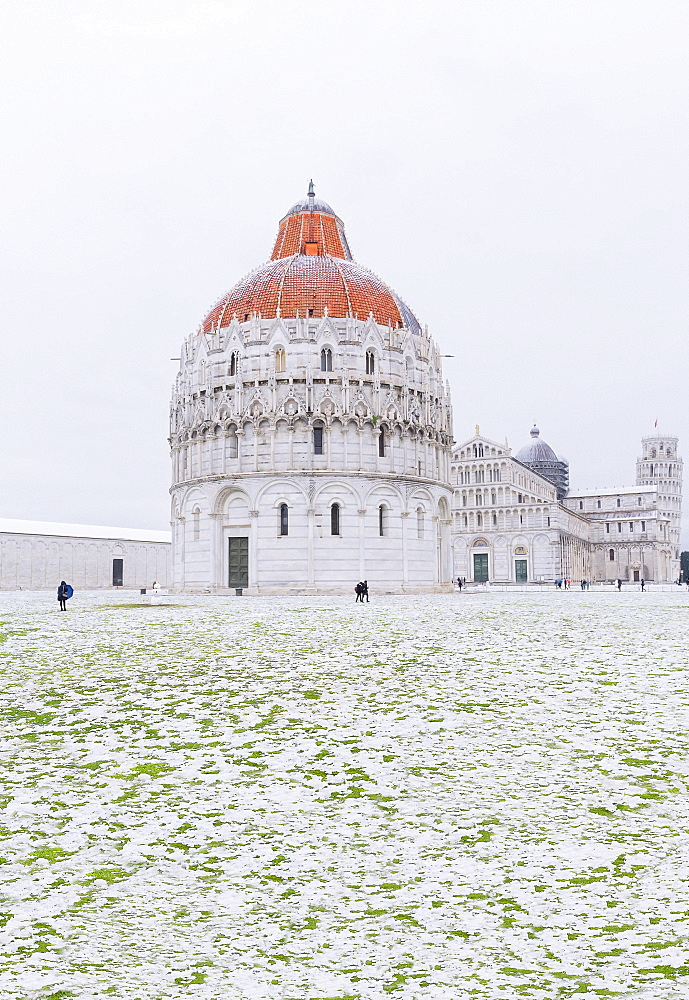 Baptistery, Cathedral and Leaning Tower on a snowy day, UNESCO World Heritage Site, Pisa, Tuscany, Italy, Europe - 718-2302