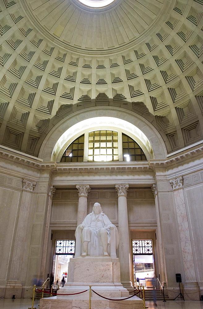 Statue of Benjamin Franklin in The Benjamin Franklin National Memorial, Philadelphia, Pennsylvania, United States of America, North America
