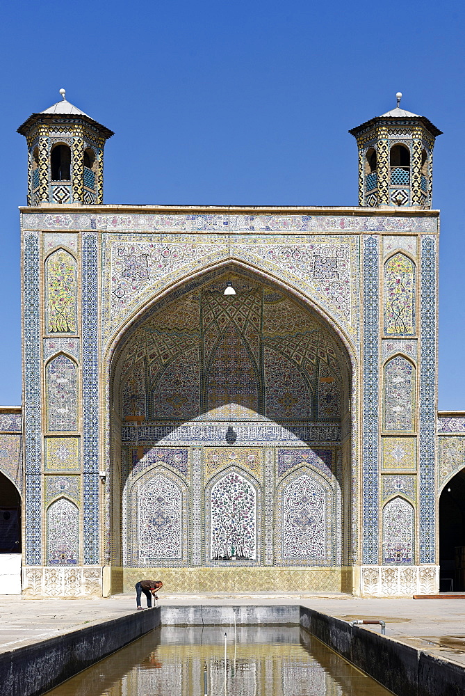 The Vakil Mosque situated to the west of the Vakil Bazaar, Shiraz, Iran, Middle East - 724-2522