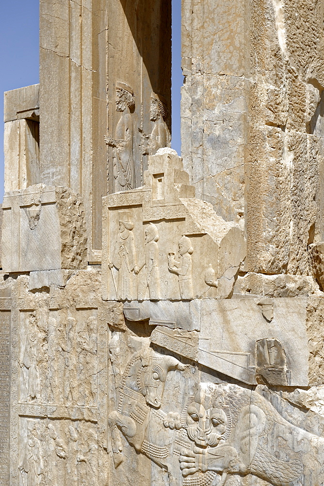Medes and Arachos priests, The Tachara, the Palace of Darius the exclusive building of Darius I, Persepolis, Iran, Middle East - 724-2549