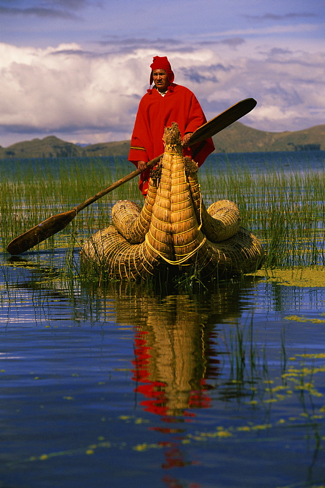 Traditiona Totora reed boat & Aymara, Lake Titicaca, Bolivia / Peru, South America - 727-677