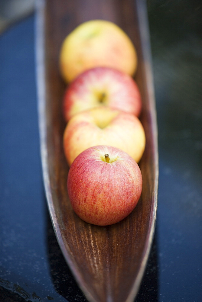 Apples in a tray
