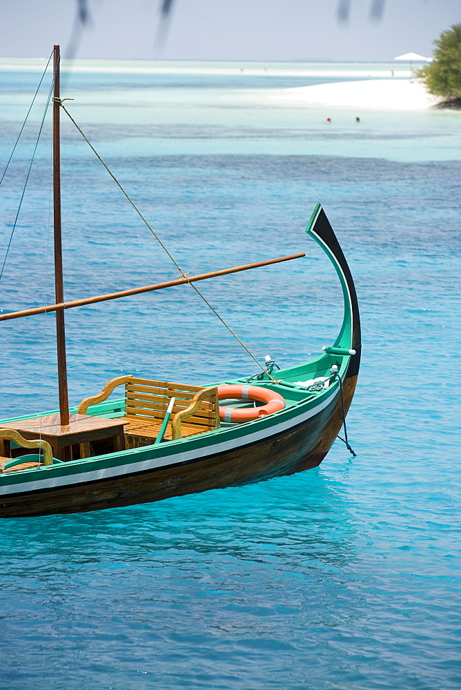 Boat on the beach, Maldive Islands, Indian Ocean, Asia