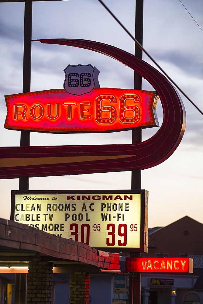 Motel sign on Route 66, Kingman, Arizona, United States of America, North America - 728-5606