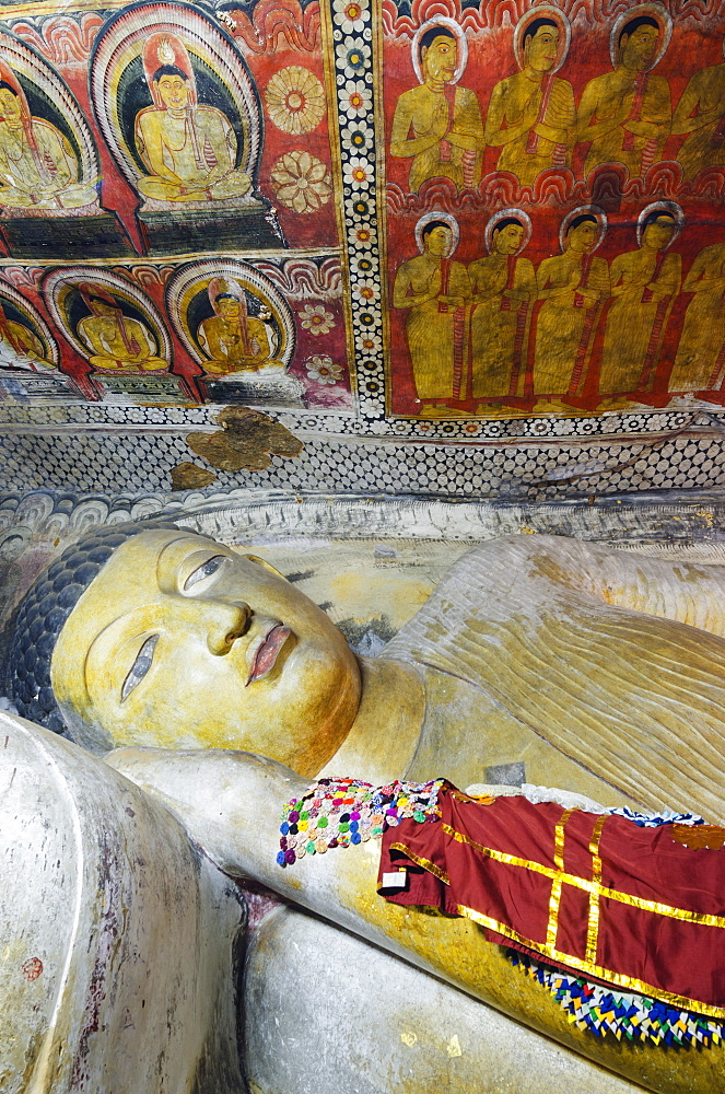 Buddha statues in Cave 1, Cave Temples, UNESCO World Heritage Site, Dambulla, North Central Province, Sri Lanka, Asia