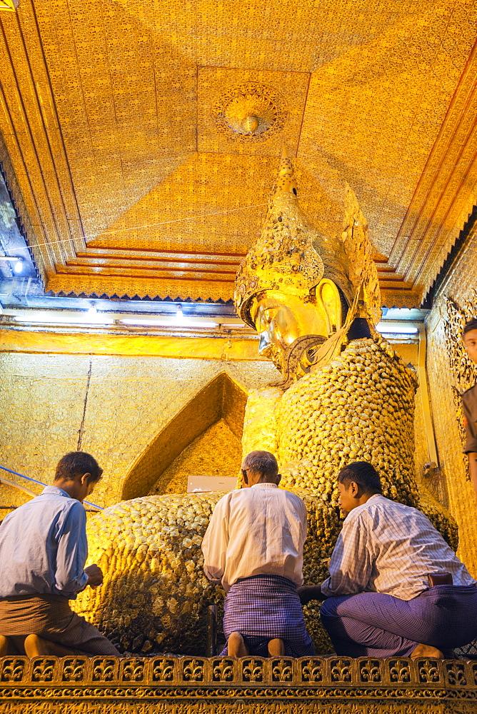Gold Buddha statue, Mahamuni Paya, Mandalay, Myanmar (Burma), Asia